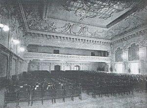 La platea e la galleria del Cinema Ambrosia, 1914.