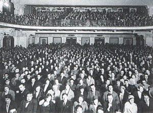 La gremita sala del Cinema Ambrosia nel secondo dopoguerra.